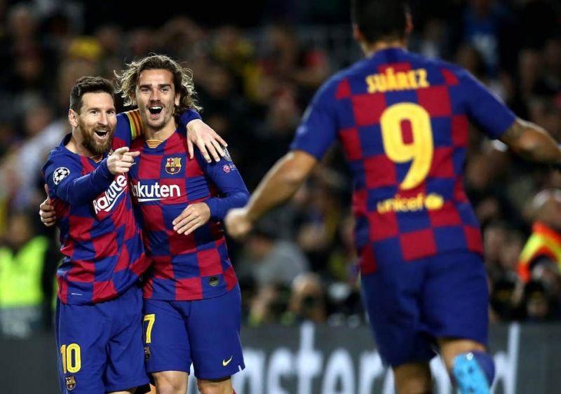 Messi, Griezmann and Suarez celebrate during Barcelona