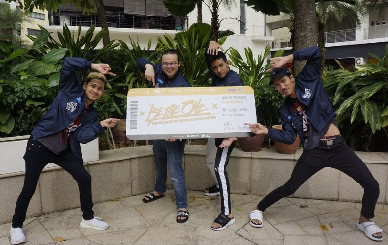 Team Yoodo Gank with their ticket to the Grand Finals of PMCO Fall Split 2019 (Image: Digital News Asia)