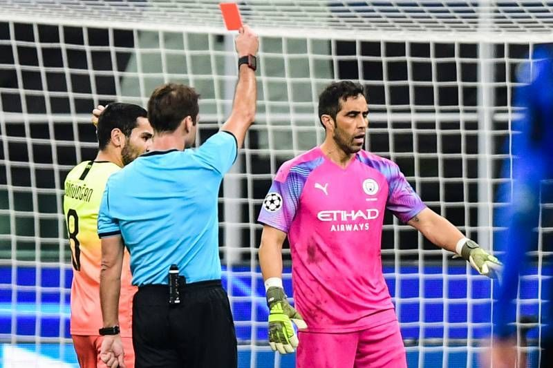 Claudio Bravo sees red in Manchester City