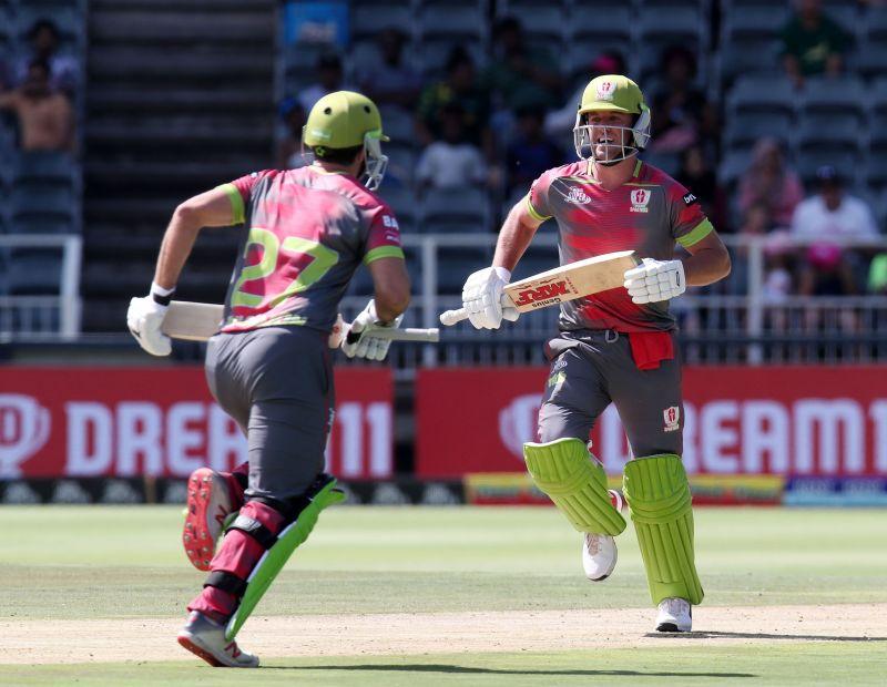 AB de Villiers and Pite van Biljon put on an important partnership for the Tshwane Spartans