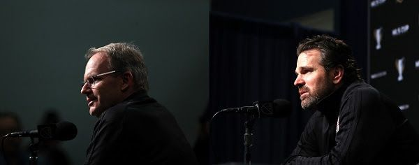 Seattle Sounders FC head coach Brian Schmetzer (L), Toronto FC head coach Greg Vanney