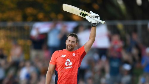 Dawid Malan celebrates his hundred