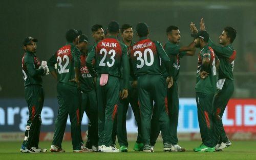 बांग्लादेश की बढ़िया गेंदबाजी (Photo: BCCI)