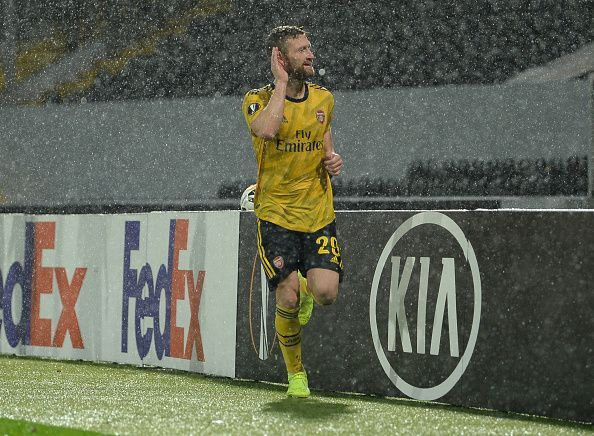 Shkodran Mustafi had a wonderful dead-ball delivery from Nicolas Pepe to thank for his goal