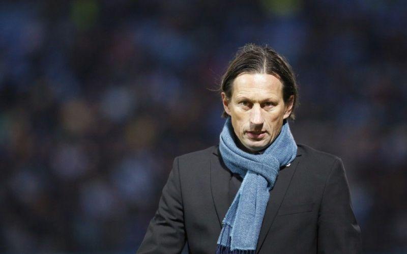 Amid Dortmund's struggle under current coach Favre, Schmidt appears as an appealing alternative