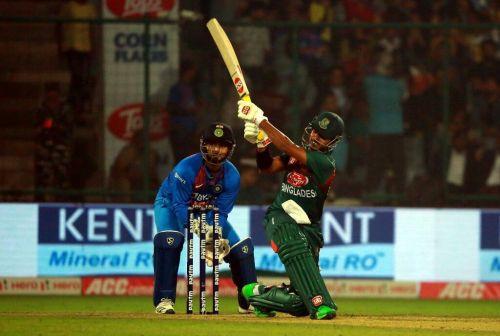 Soumya Sarkar hammers a flat six over mid-wicket.