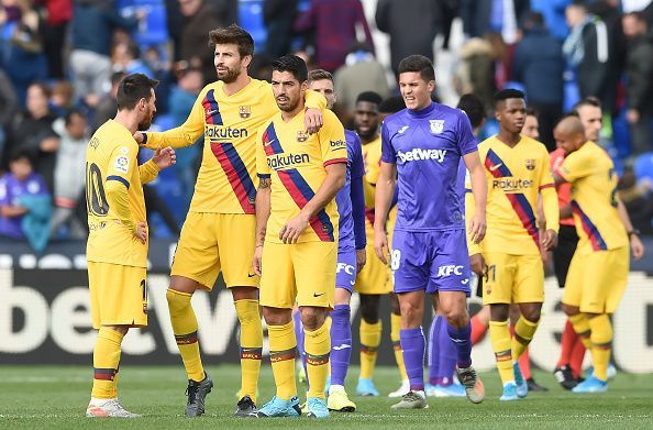 Barcelona scraped through with a 2-1 win