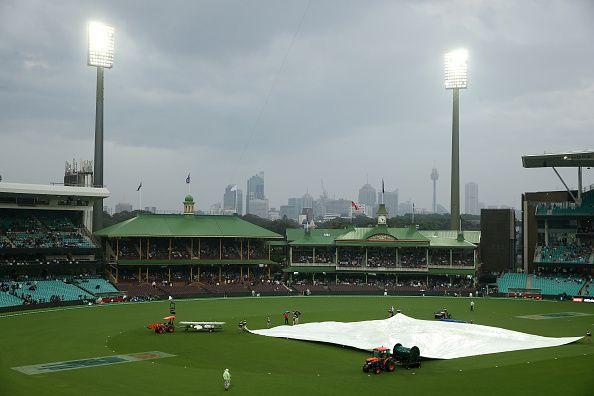 लगातार बारिश की वजह से मैच हुआ रद्द