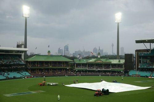 Australia v Pakistan - Men's T20 Game 1
