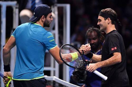 Matteo Berrettini (L) and Roger Federer (R)