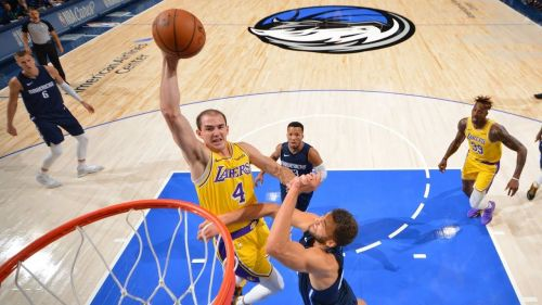 Alex Caruso had a memorable dunk this season against the Mavs, which turned out to be a momentum changer