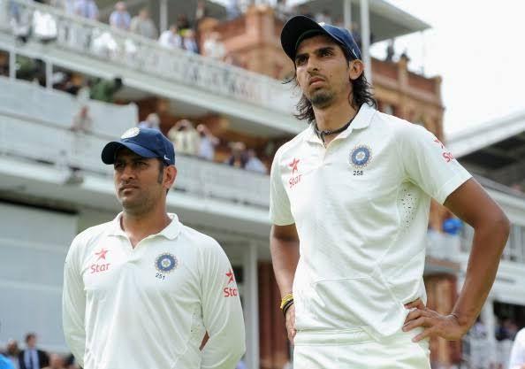 MS Dhoni (left) and Ishant Sharma (right)
