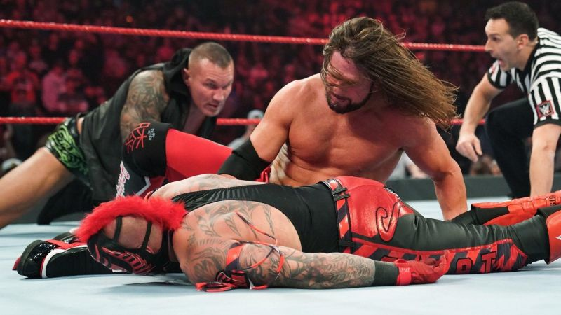 The Viper distracted The Phenomenal One during the Championship match