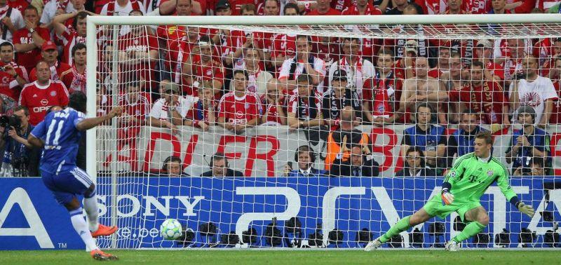 Drogba sends Neuer the wrong way