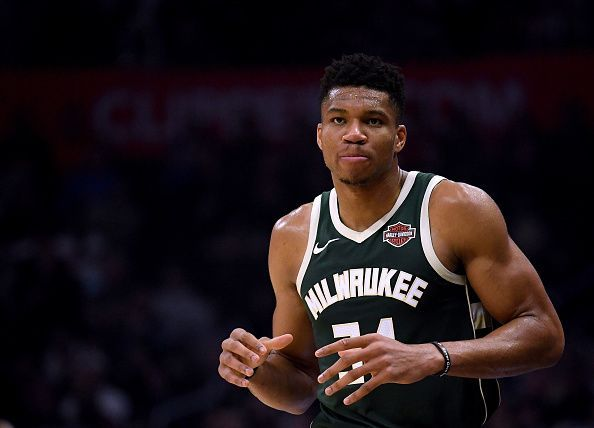 The Milwaukee Bucks defeated the New Orleans Pelicans, extending their winning streak to 16 games