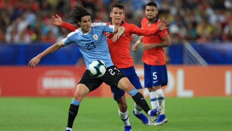 Chile (red) vs Uruguay