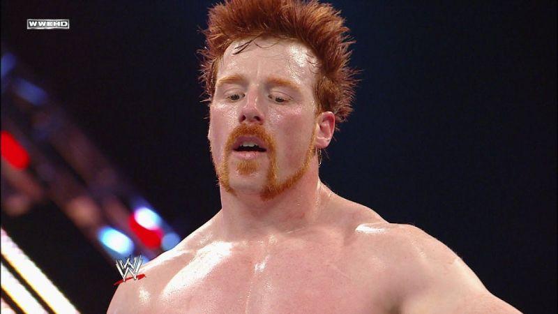 शेमस वापसी करें और WWE स्मैकडाउन रोस्टर के सदस्य शॉर्टी जी को चैलेंज करें