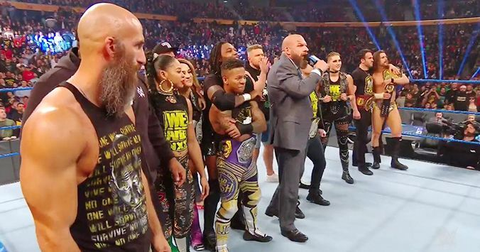 NXT रोस्टर के साथ ट्रिपल एच