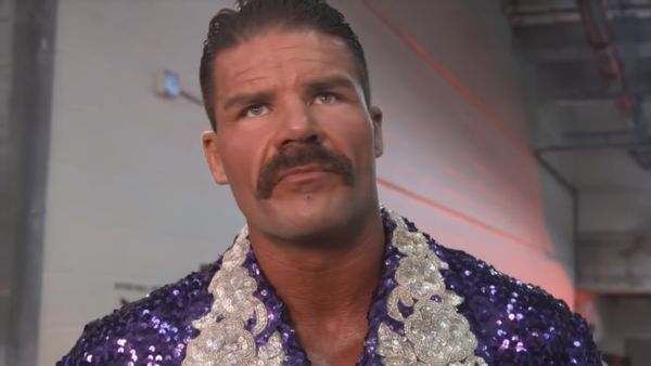 Robert Roode regularly appears on SmackDown