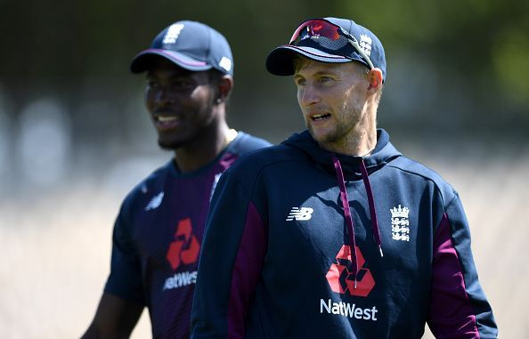 Jofra Archer (left) and Joe Root (right)