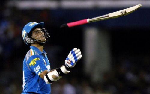 दादा आईपीएल में दो टीमों के लिए खेले हैं