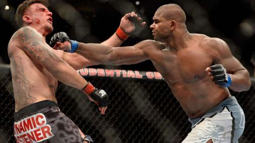 Overeem brutally beat up Frank Mir over three rounds