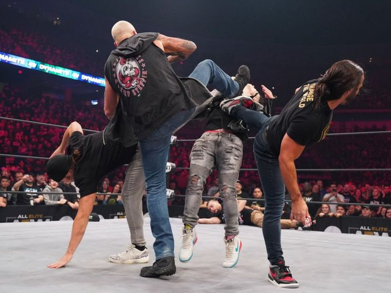 There were a lot of sound issues this week on AEW this week