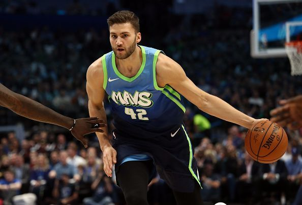 The Mavs will look to continue their strong start to the season when they take on the Lakers