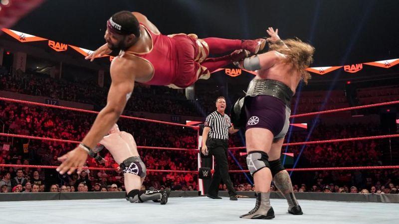 A big title match!