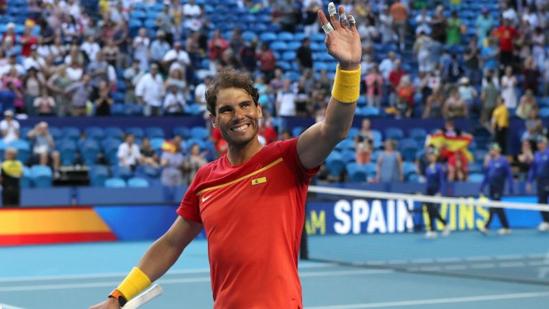 Rafael Nadal waves to the crowd