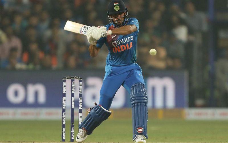 Manish Pandey whacks a bouncer