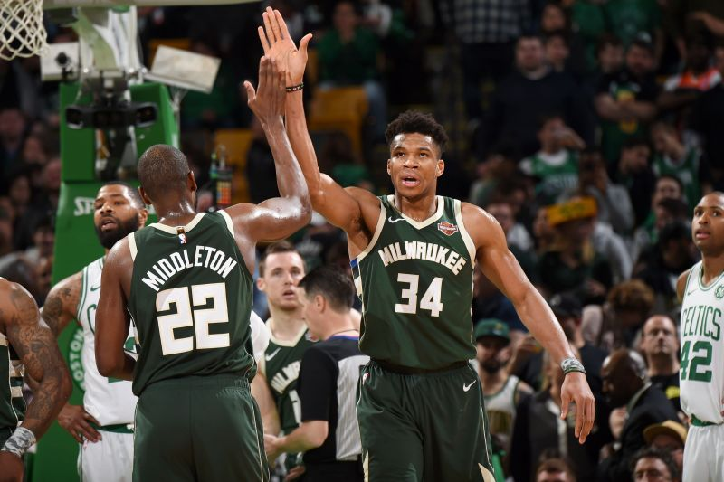 The Bucks carry a six-game winning streak against the Kings.