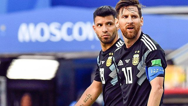 Lionel Messi hopes to play with Aguero at Barcelona