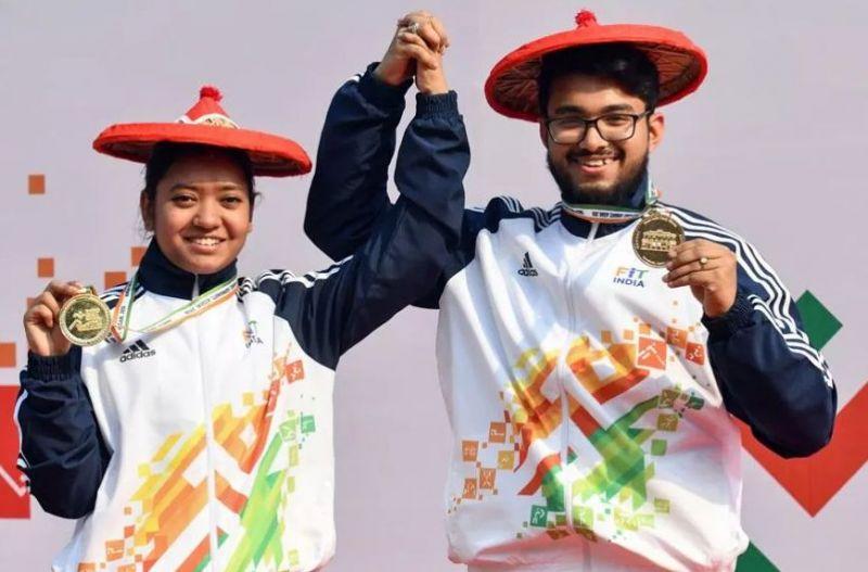 Ayushi Podder and Amartya Mukherjee pose with their gold medals at KIYG 2020 (Image credits - PTI)