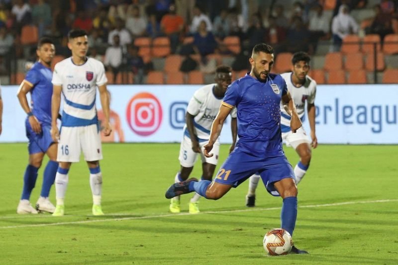 Larbi will remain at Mumbai City FC for the remainder of the campaign