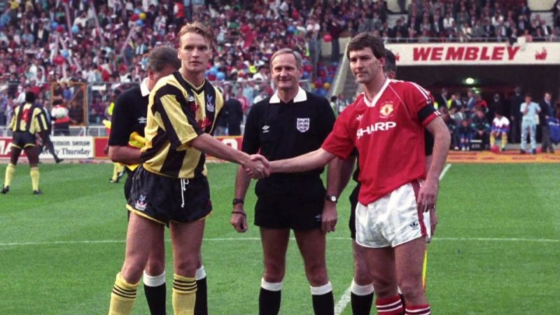 Manchester United won the 1990 FA Cup replay against Crystal Palace at Wembley