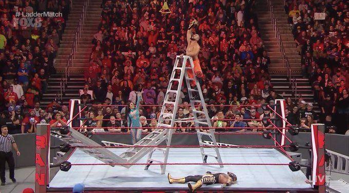 Raw में हुआ जबरदस्त लैडर मैच