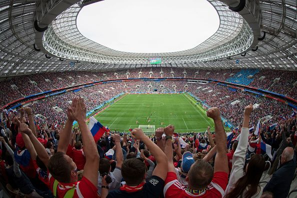 Football heritage and globalization - Understanding the role of the fans in stadiums using data analytics