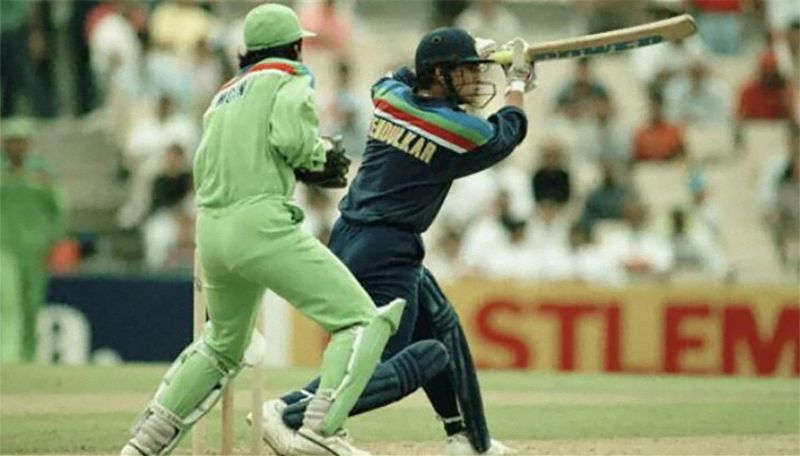 Sachin Tendulkar driving during his man-of-the-match innings vs Pakistan in World Cup 1992