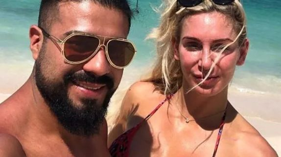 Andrade/Charlotte Flair