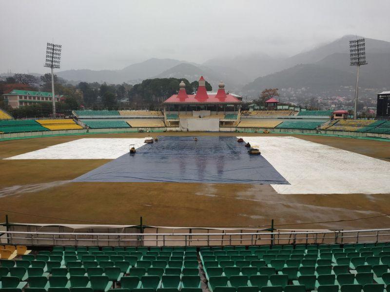 बारिश के कारण कई जगहों पर खेल नहीं हो पाया