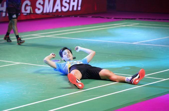 Wong Wing Ki celebrates his win