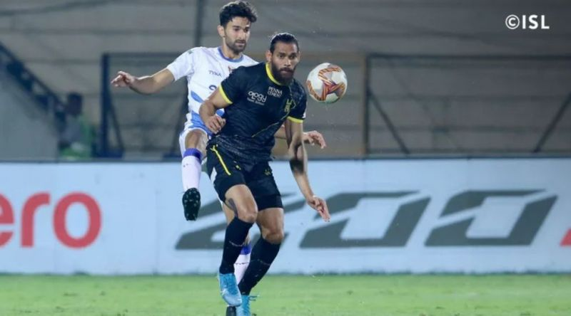 Adil Khan (front) in action for Hyderabad FC. (Image: ISL)