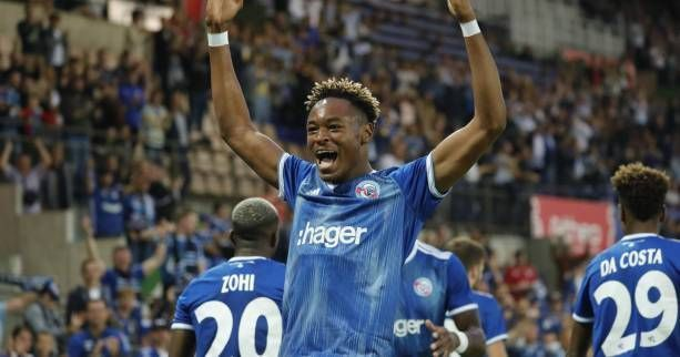 Simakan is attracting a lot of interest from Premier League clubs. (Credits: Yahoo Sports France)