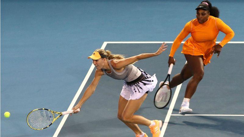 Caroline Wozniacki and Serena Williams - cropped