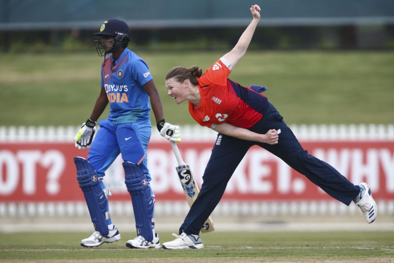 Anya Shrubsole provided vital blows to India in the middle-overs which applied breaks on the run-flow