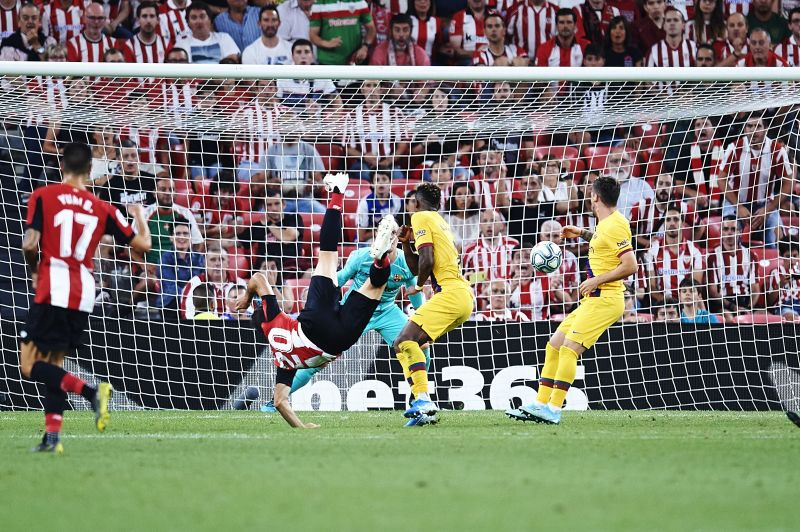 Aduriz sunk Barcelona with an excellent bicycle kick on matchday one