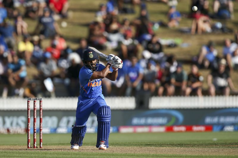 Kedar Jadhav struggled in the second ODI