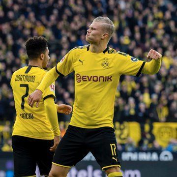 Haaland celebrates one of his goals for Dortmund. Credits: Official Twitter/@BlackYellow