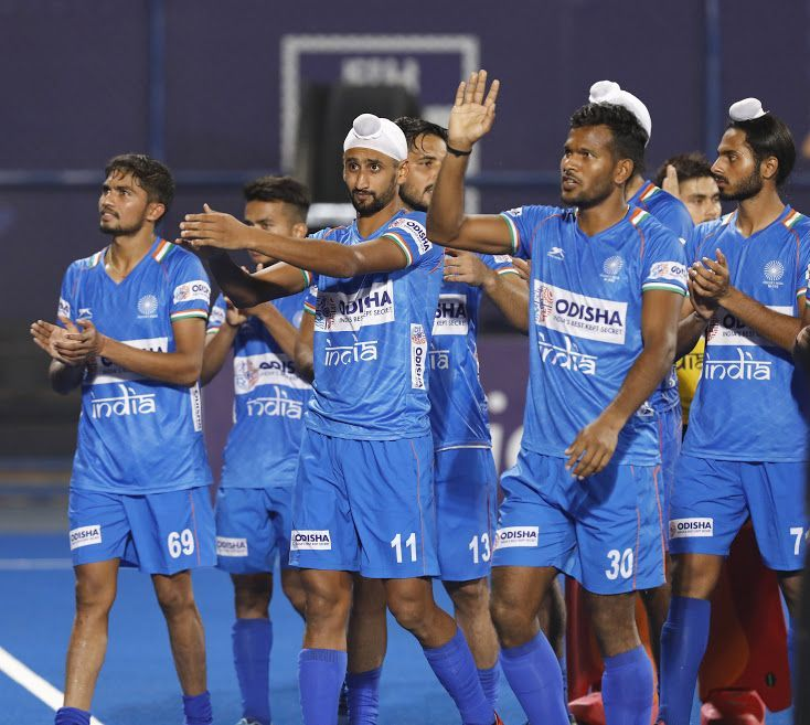 The Indians thank the Kalinga crowd for their support